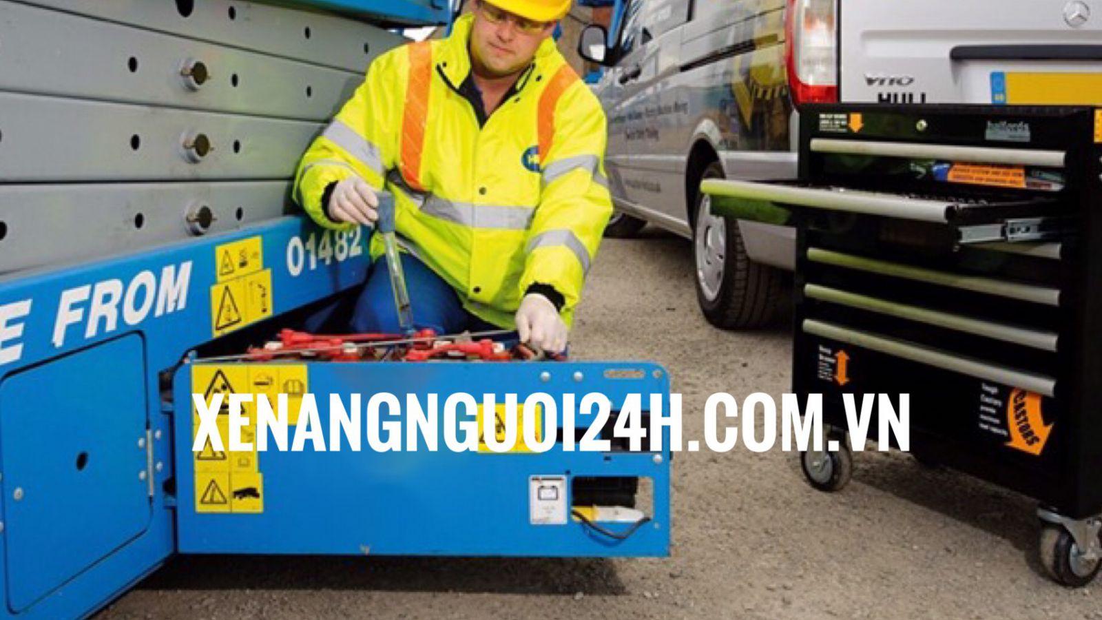 bảo trì xe nâng người cắt kéo điện
